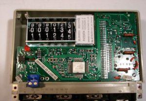 Устройство и принцип работы электронного счетчика