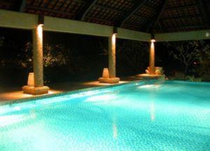 Локальная подсветка бассейна