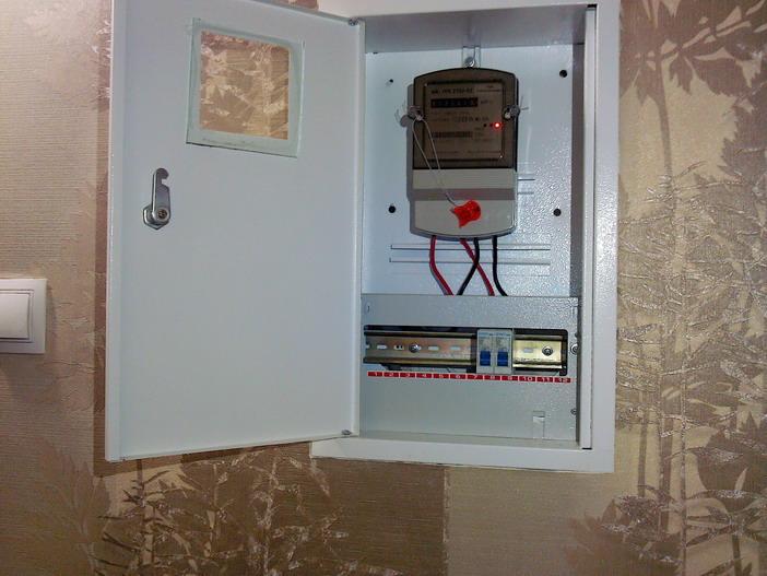 Электросчётчик в квартирном щитке