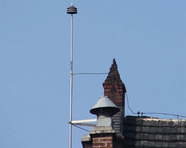 Молниеотвод (громоотвод) – устройство номер 1 для защиты зданий от молний