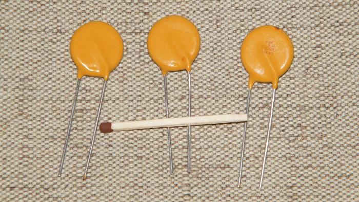 Варисторные таблетки невелики по размеру