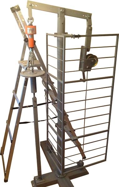 Испытание изолирующих лестниц из стеклопластика