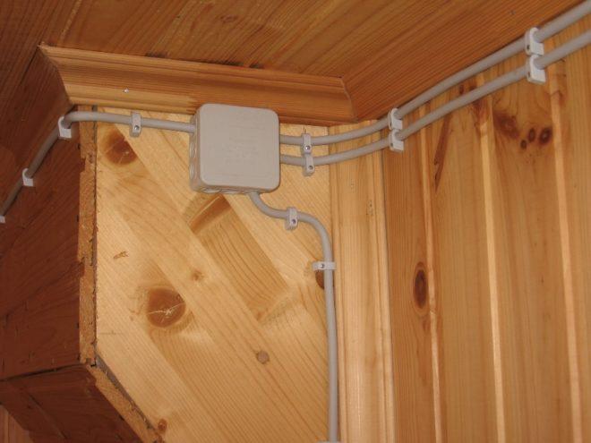 Открытая проводка на даче