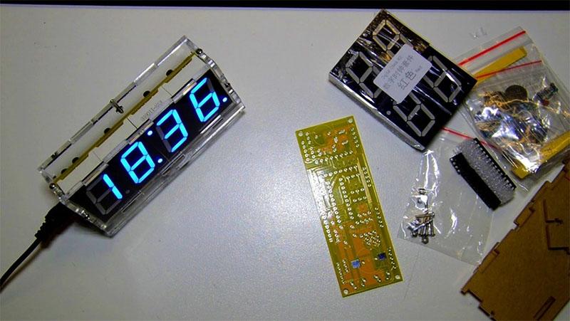 Электронные часы из набора