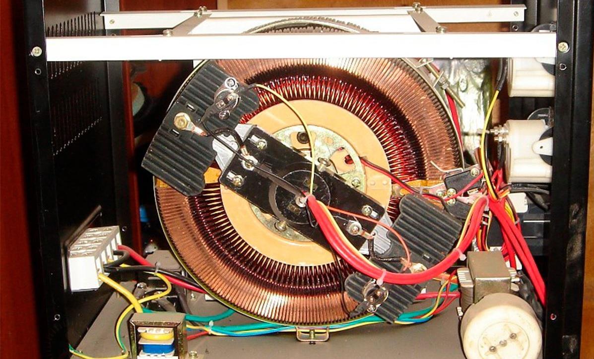 Мощный электромеханический стабилизатор