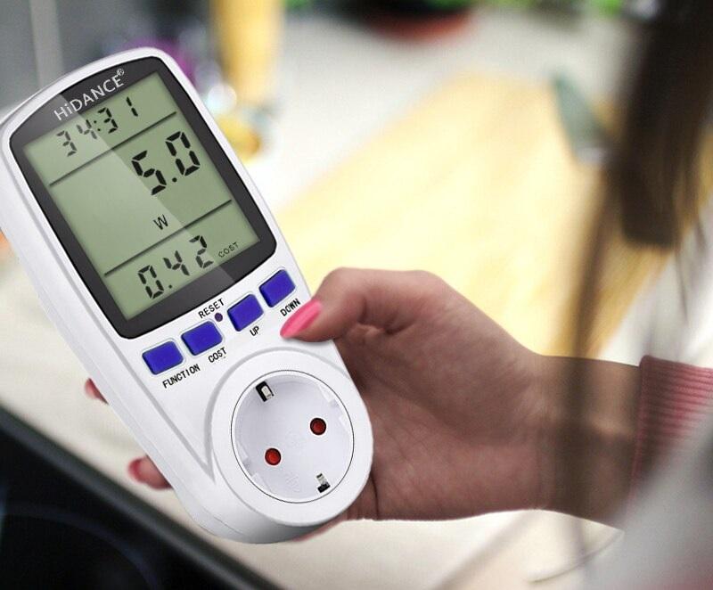 В мобильном варианте исполнения ваттметр используют для уточнения потребления электроэнергии подключенными к розетке устройствами