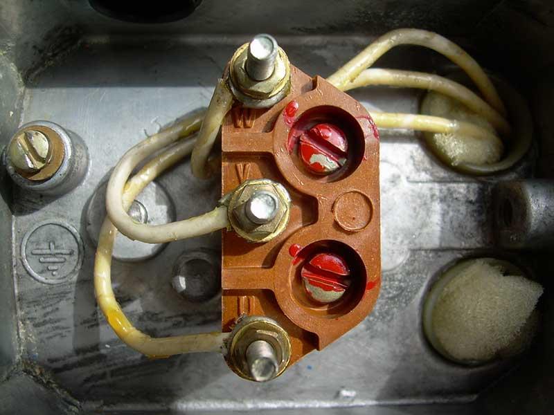 Мотор, у которого выведены только три провода